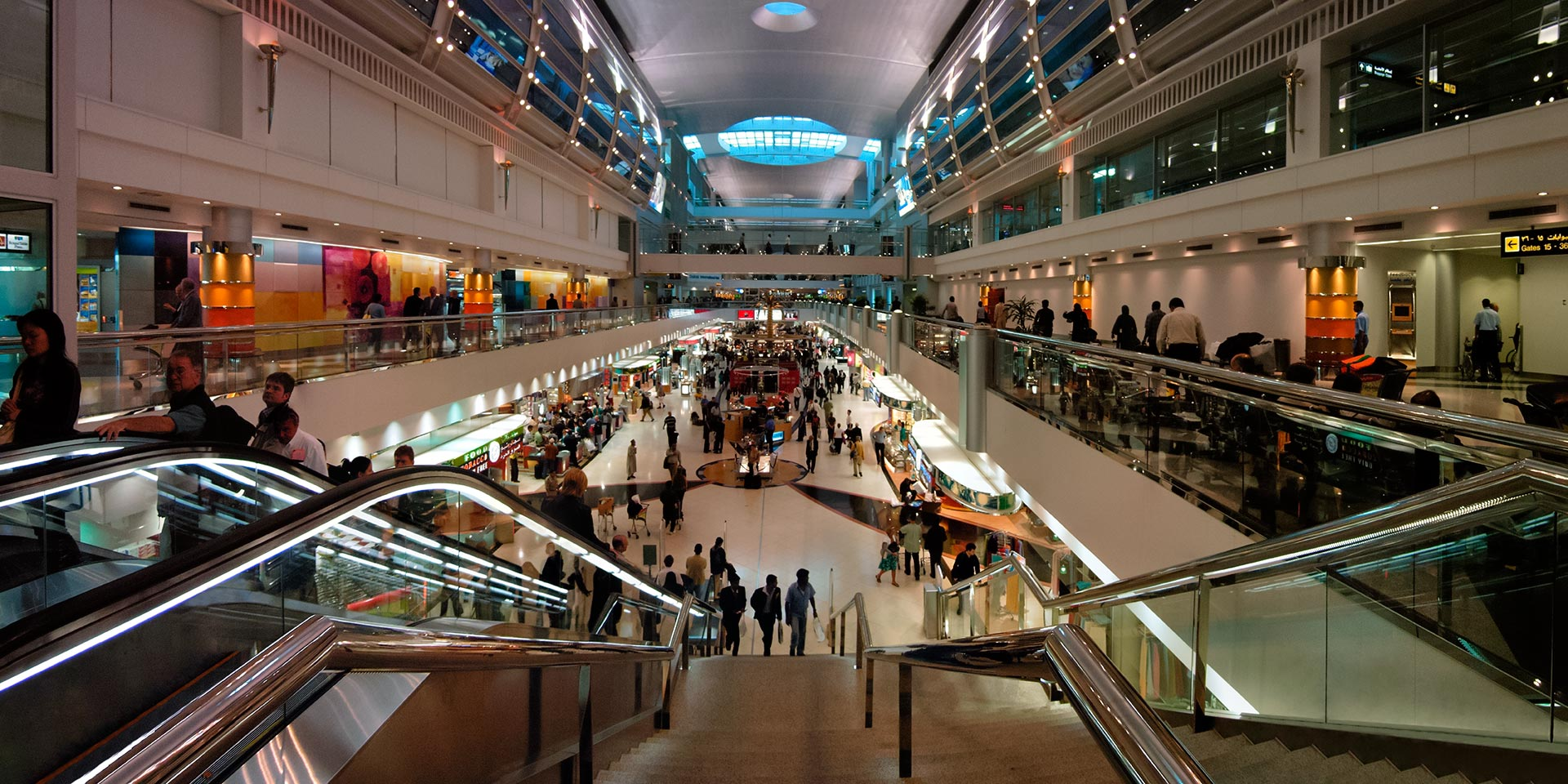 Panorama inside Dubai International Airport – PanoTwins