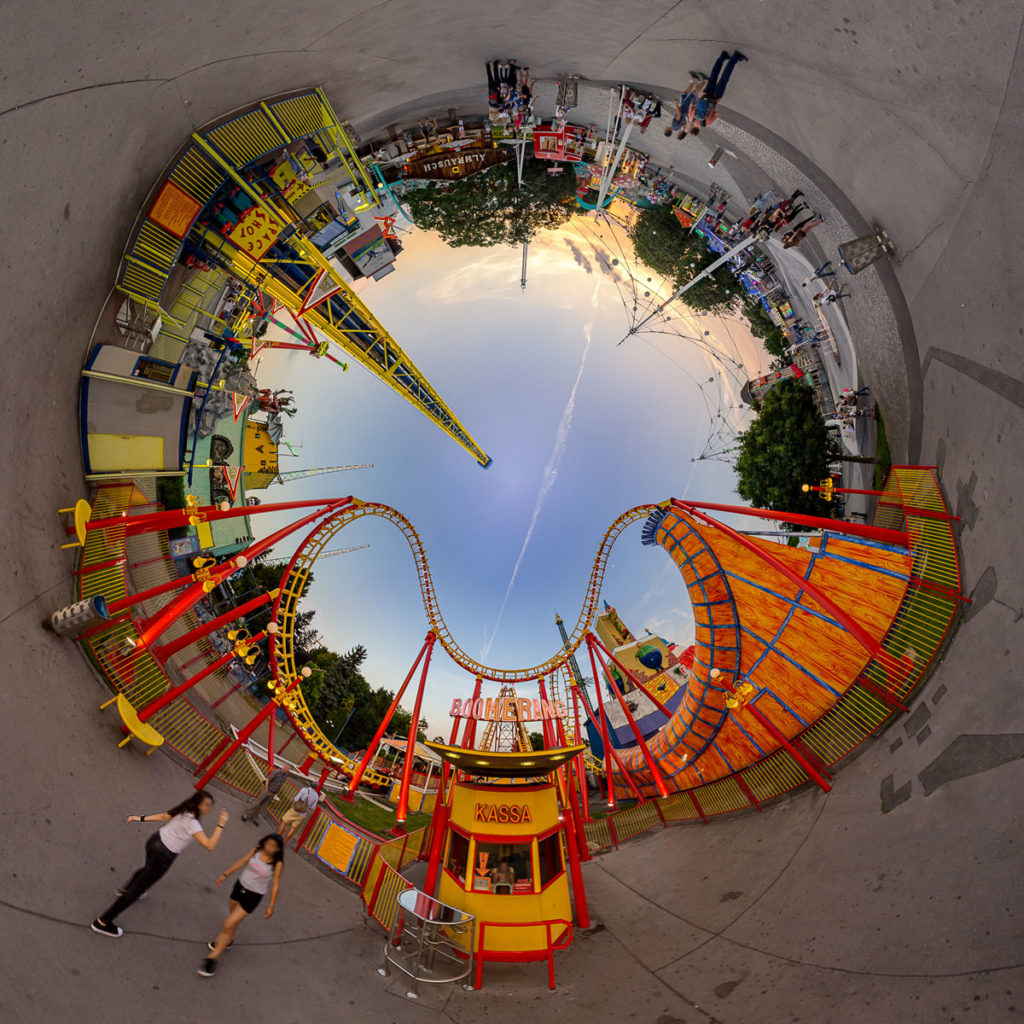 Boomerang Roller Coaster - Stereographic Up